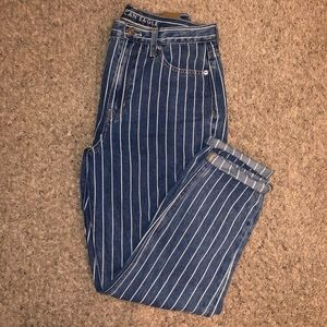 American Eagle Striped Mom Jeans size 8